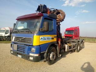 VOLVO FM 12.420 camión con gancho