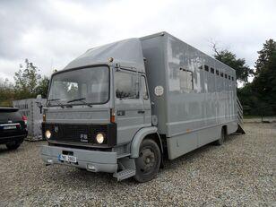 VOLVO F612 pro přepravu koní camión para transporte de ganado