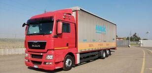 MAN TGX 26.440 camión toldo